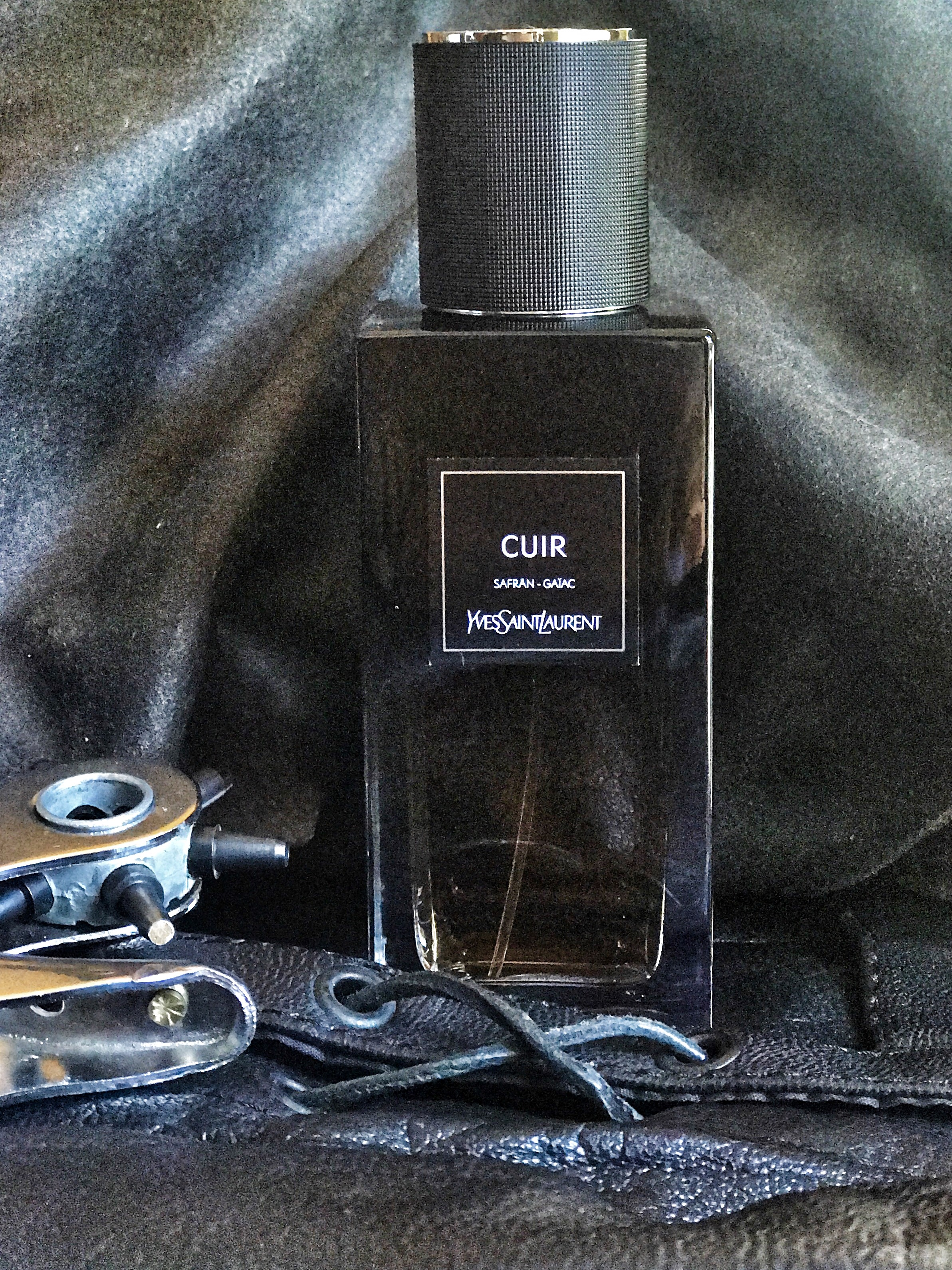 Yves Saint Laurent Cuir